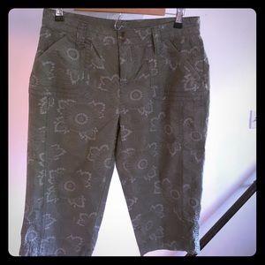 Capri pants 24 inches in length.
